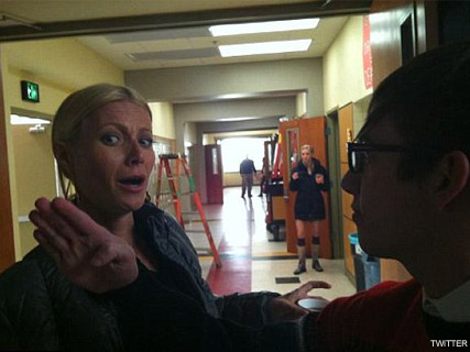 Gwyneth Paltrow Kevin McHale - FIRST LOOK! Kevin McHale Tweets hilarious Gwyneth Paltrow pictures from the Glee set - Gwyneth Paltrow Glee - Glee - Glee Twitpic - Celebrity News - Marie CLaire - Marie Claire UK