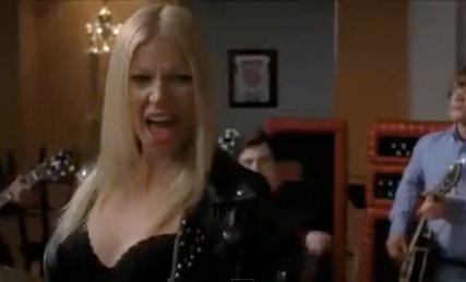 Gwyneth Paltrow - WATCH! Gwyneth Paltrow?s racy Glee performance 0 WATCH! Gwyneth Paltrow?s racy Glee performance - Gwyneth Paltrow Glee - Glee - Celebrity News - Marie Claire - Marie Claire UK