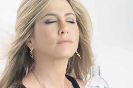 Jennifer Aniston - WATCH: Jennifer Aniston
