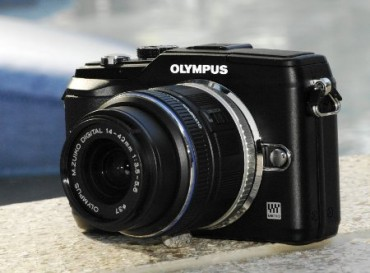 Olympus EPL2 review front