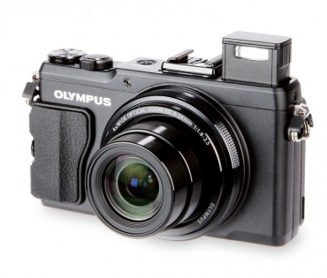 Olympus Stylus XZ-2 front (main)