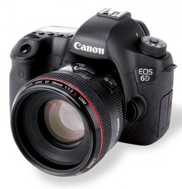 Canon EOS 6D front
