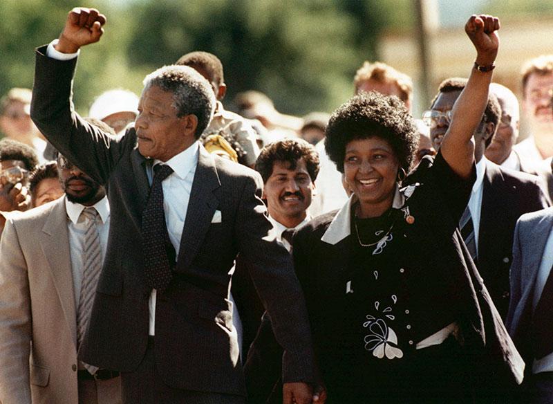 http://default.media.ipcdigital.co.uk/11134/000002a14/24e3/Nelson-Mandela-being-released-by-Greg-English-main.jpg